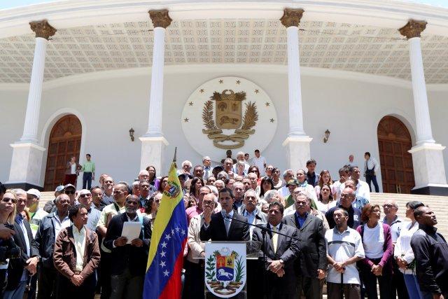 VENEZUELA: Presidente interino de Venezuela Juan Guaidó alertó posible disolución de asamblea nacional por parte del régimen.