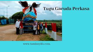 Tugu Garuda Perkasa di perbatasan