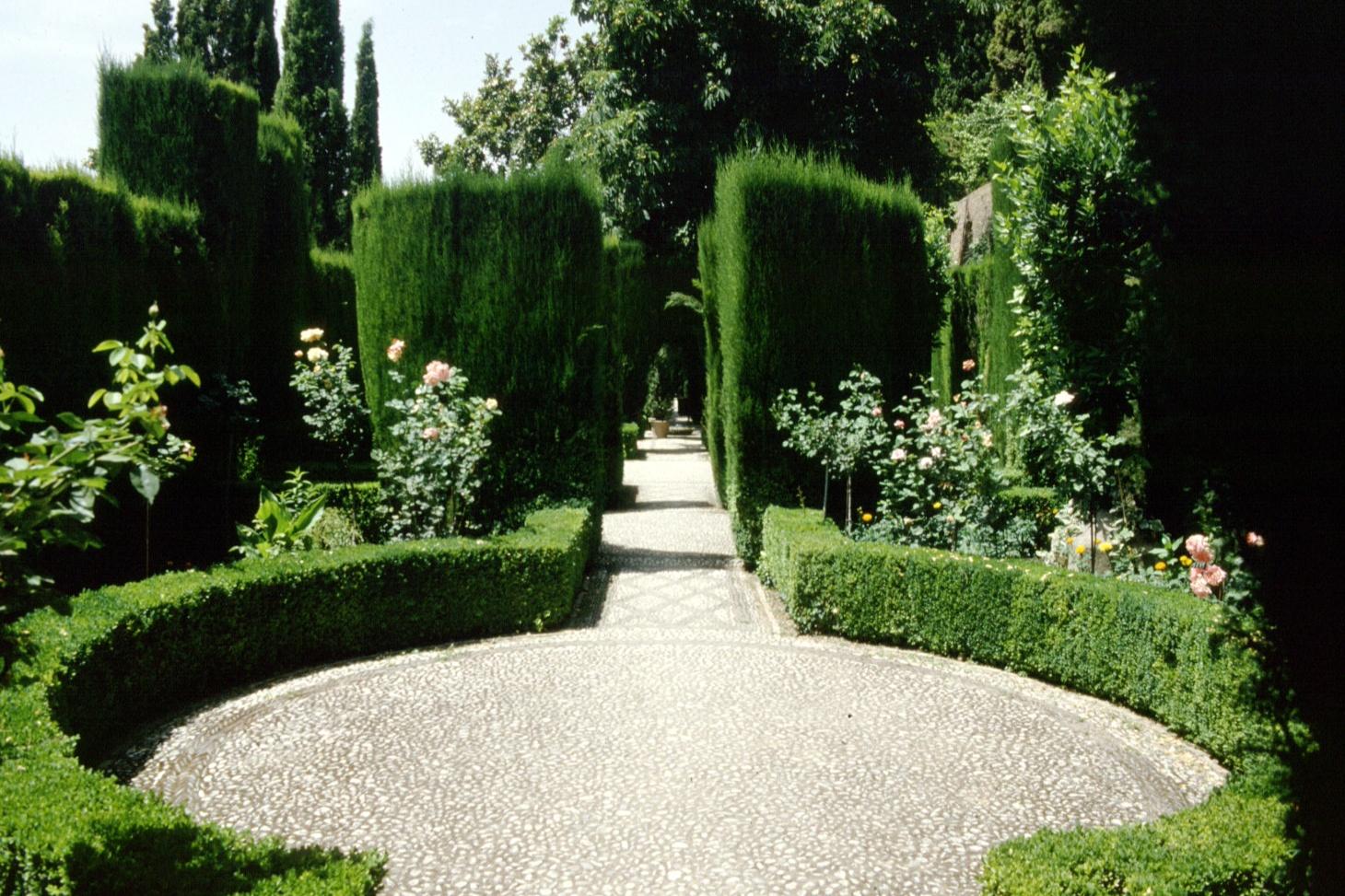 Yin / Yang in the Garden - A Landscape Design Tip Yin Yang Labyrinth Garden Designs Html on