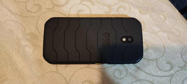 CAT S42 smartphone Review