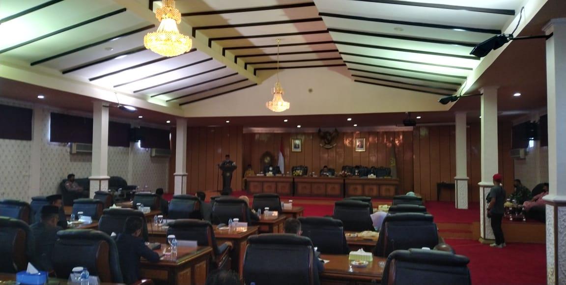 Ketua DPRD Karimun Pimpin Rapat Paripurna Penyampaian Pidato Bupati Karimun Periode 2016- 2021.