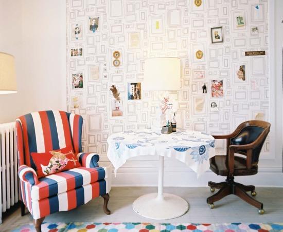 decoração de casa com molduras desenhadas na parede