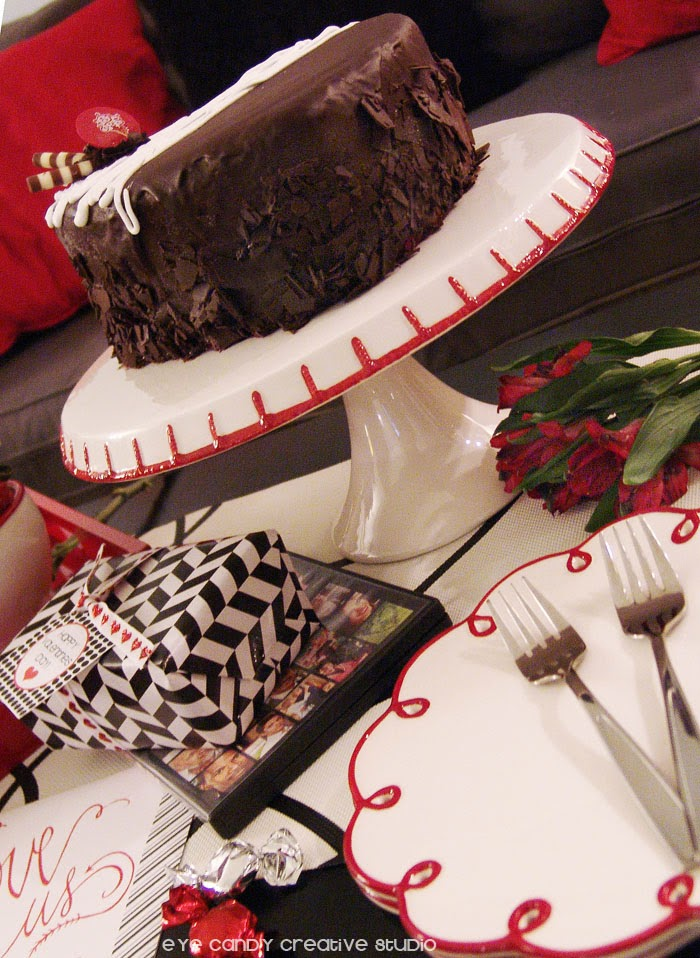 Cold Stone Creamery ice cream cake, free valentines printables, black and red decor