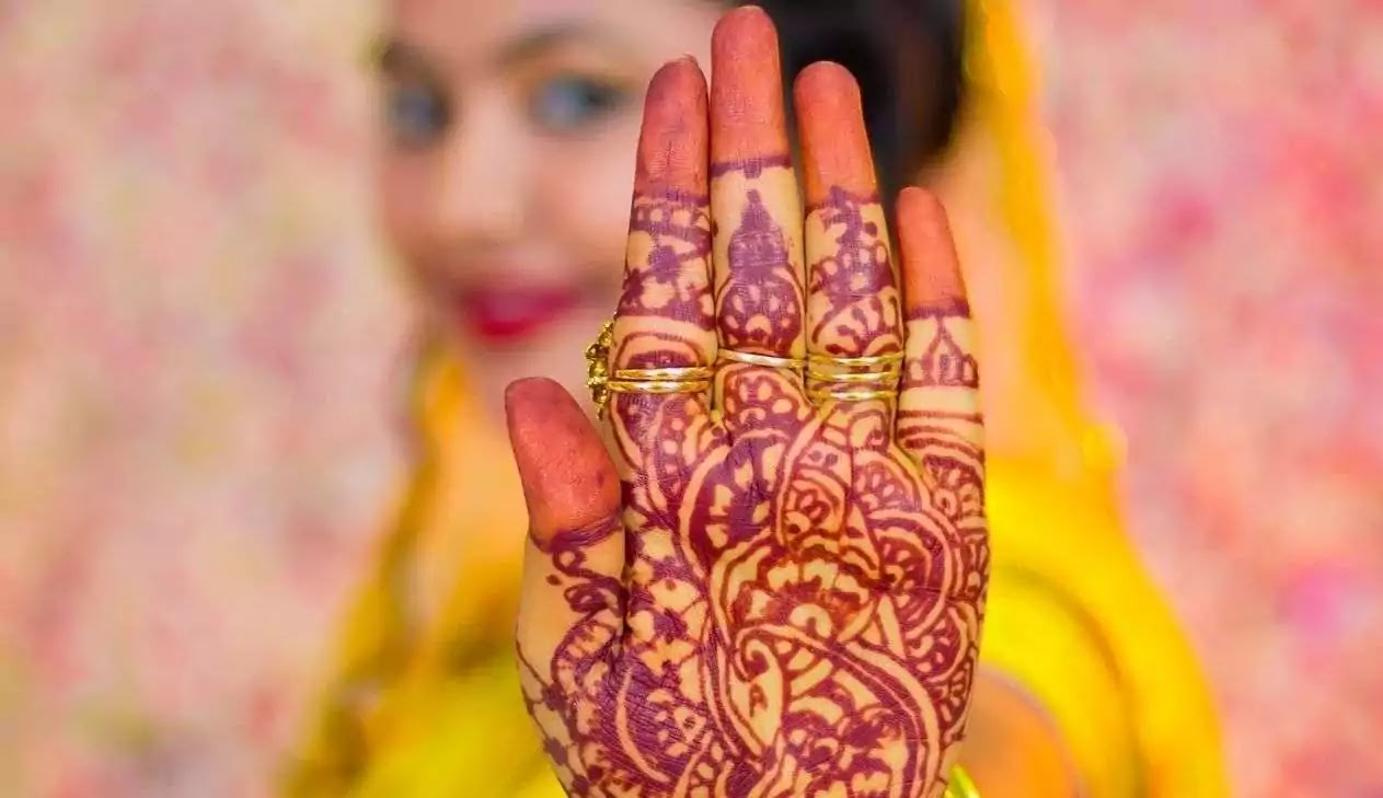 dark colour mehndi designs