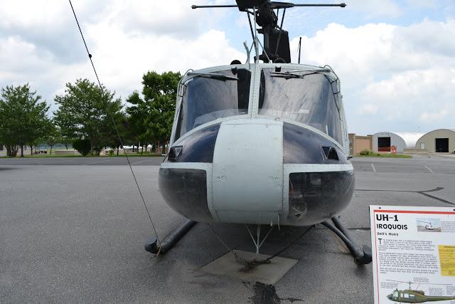 """""""Ірокез"""". Музей військової авіації, штат Делавер (Bell UH-1 Iroquois. Air Mobility Command Museum, Dover, Delaware)"""