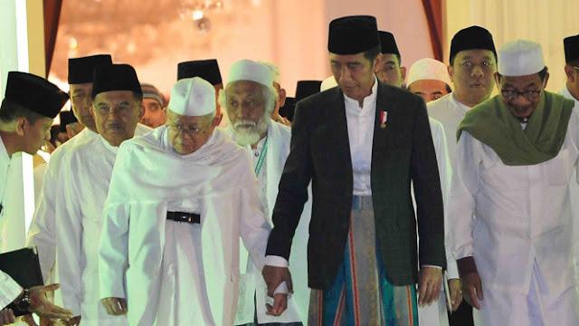 Ferdinand: Jokowi Jelas Lakukan Politisasi Agama
