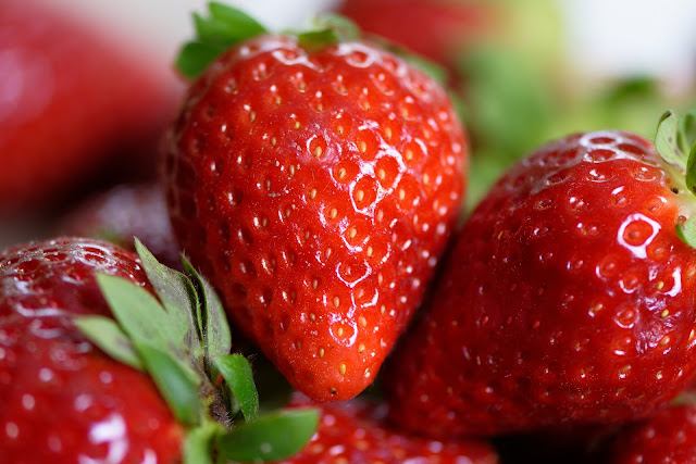 Strawberries : Health benefits of strawberries, nutritional facts , calories per serving in strawberry and recipe.