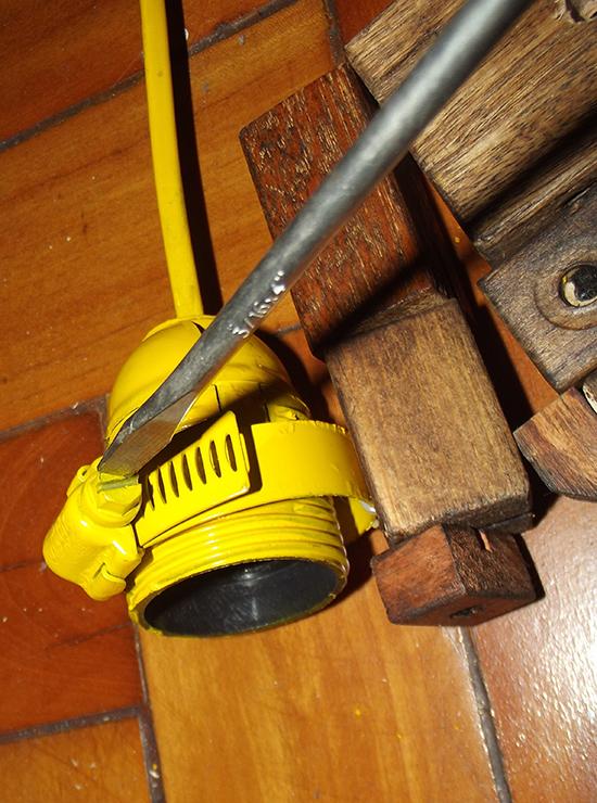 luminária articulada, faça você mesmo, diy, luminária de madeira, luminária robô