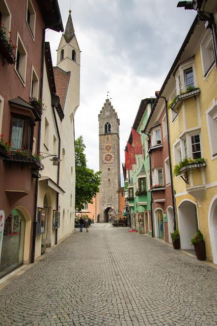 Via della città nuova e torre dell'orologio-Vipiteno