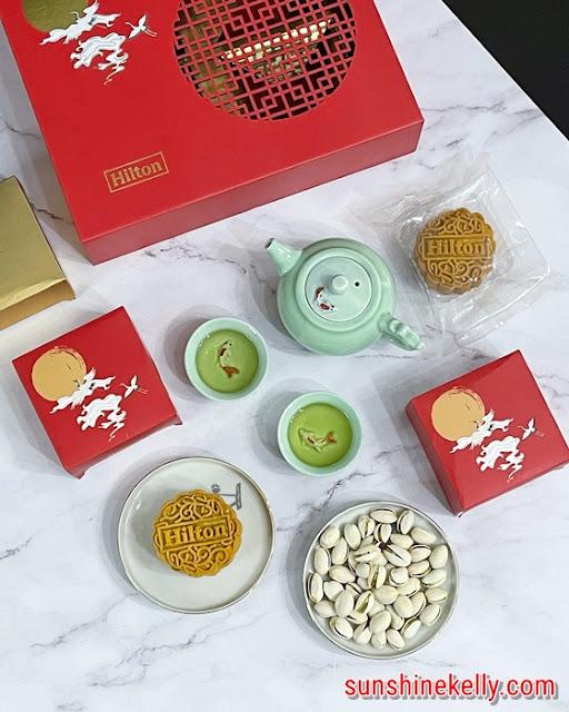 Oriental Treasures Mooncakes, Hilton Kuala Lumpur, Hilton Hotels, Mooncakes Review, traditional baked mooncakes, mooncakes, mid autumn, food