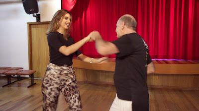 Mônica tem aula de zouk (Divulgação/SBT)