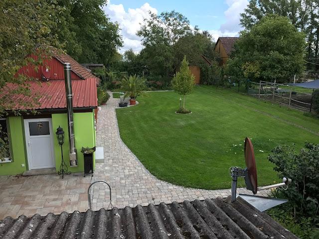 Blick in den Garten  (c) by Joachim Wenk