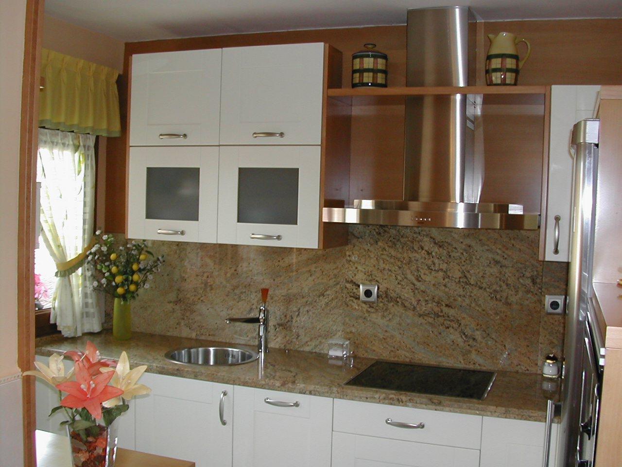 Indicoc muebles de cocina: Cocina Mari (Oviedo)