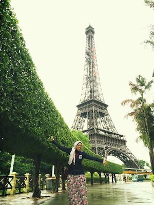 Miniatur Menara Eiffel di Window of The World