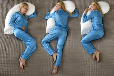 Δείτε τις σωστές στάσεις στον ύπνο για να ξυπνάτε χωρίς πόνους και στομαχικά προβλήματα