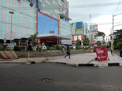 Transmart Malang hanya membuka gerai supermarketnya