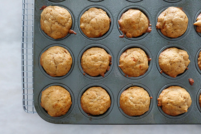 baked peanut butter and banana pupcakes