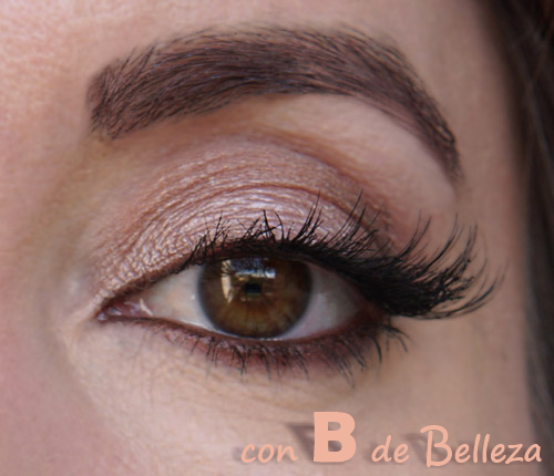 Maquillaje natural con pestañas extremo ojo