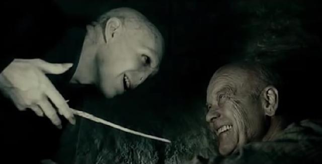 Гелърт Гриндълуолд и Лорд Волдемор в Хари Потър и даровете на смъртта
