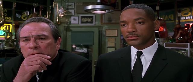Men In Black II (2002) Full Movie 300MB 700MB BRRip BluRay DVDrip DVDScr HDRip AVI MKV MP4 3GP Free Download pc movies