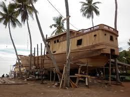 Jenis Kapal Menurut Bahan dan Alat Penggeraknya, kapal kayu