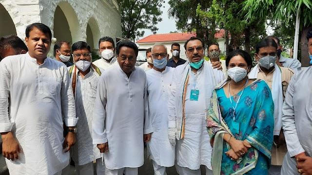 पूर्व मुख्यमंत्री कमलनाथ की मौजूदगी में भाजपा की पर्व विधायक पारुल साहू कांग्रेस में शामिल.. अब सुरखी उप चुनाव में 2013 के विधानसभा चुनाव जैसे मुकावले की तस्वीर होने लगी साफ.. भाजपा को झटका कांग्रेस खेमे में उत्साह.