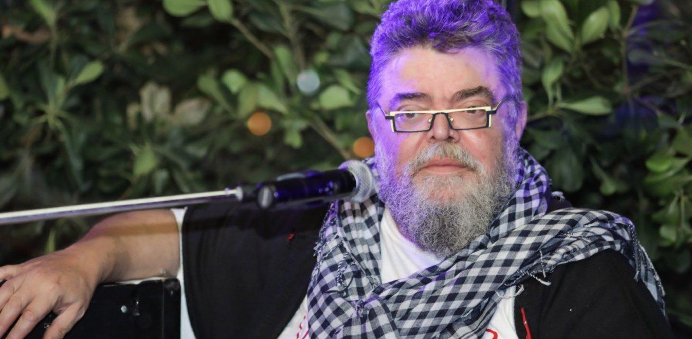 Ο Σταμάτης Κραουνάκης επικροτεί τον Δήμο Λαρισαίων για την στήριξη στους ανθρώπους του πολιτισμού