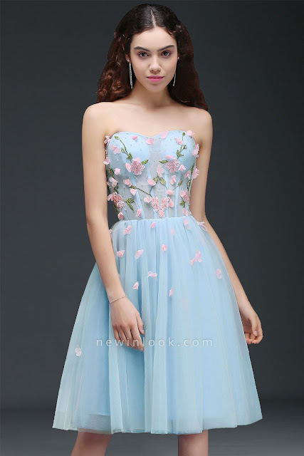 Princess Sweetheart Knee-length Sky Blue Quince Dama Dress with Lace-up Back