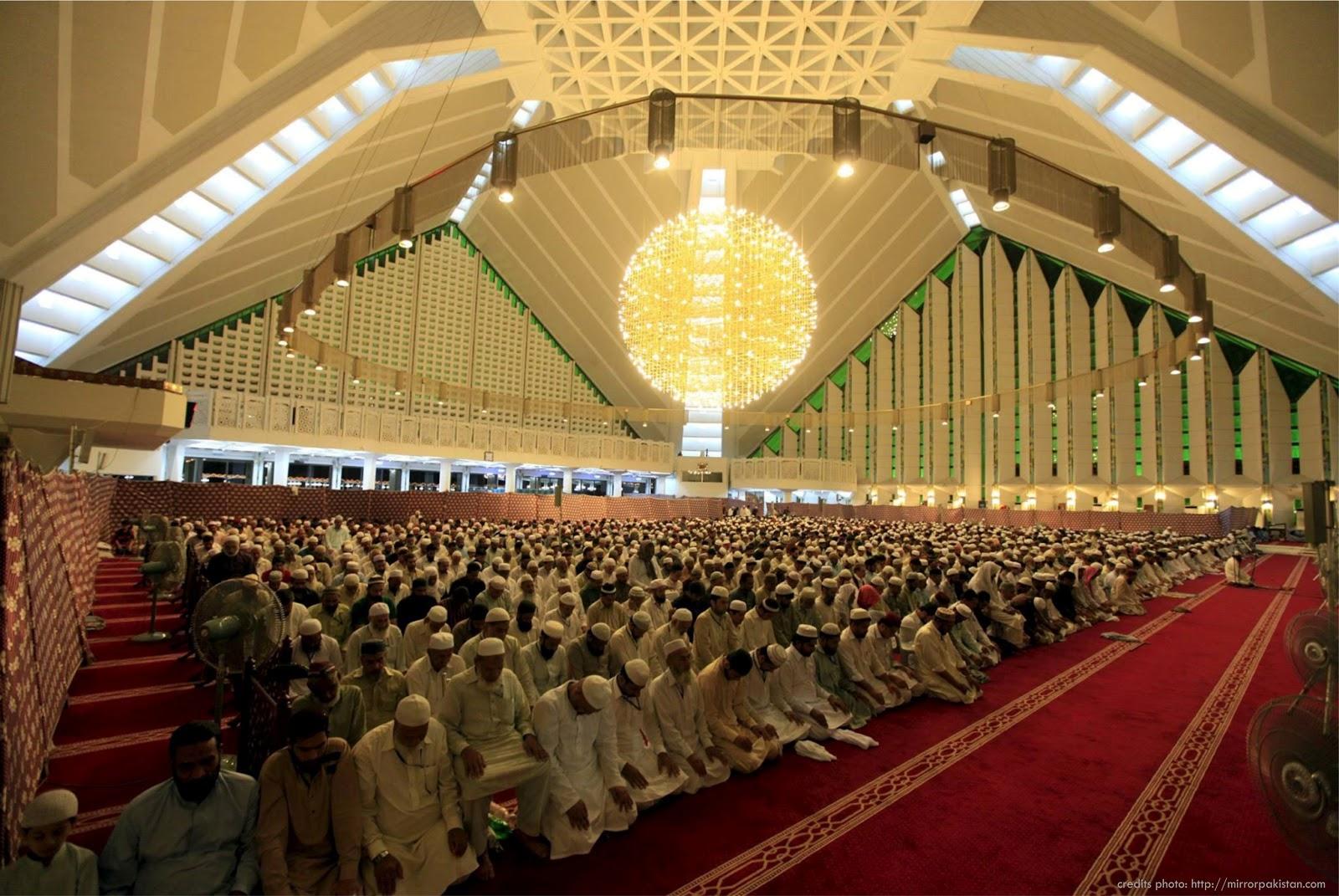 Kontemplasi Asa Ramadhan Jadi Ladang Menebar Kebaikan Bersama Sumur Utsman