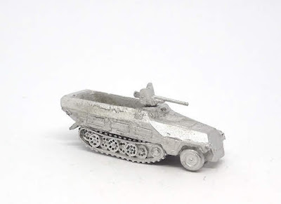 GRV118   Sd.Kfz 251/10 (Ausf D) 37mm AT gun