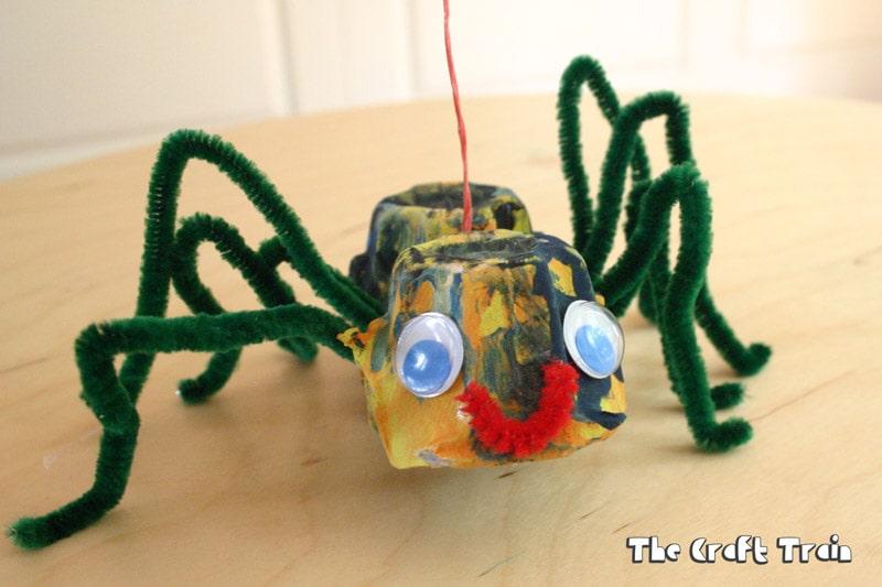 egg carton spider puppets