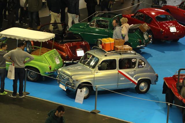 homenaje al Seat 600  en el salón del automóvil antiguo Retro Clásica