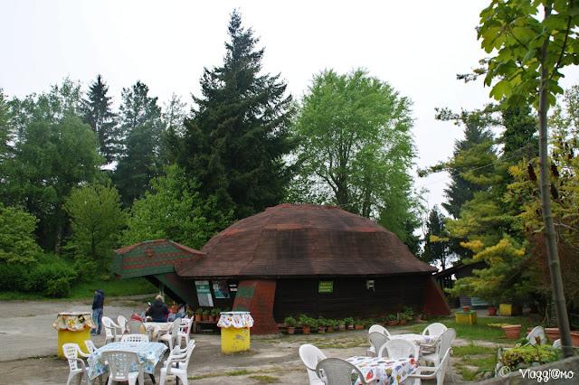 L'area picnic con bar del Parco Safari delle Langhe