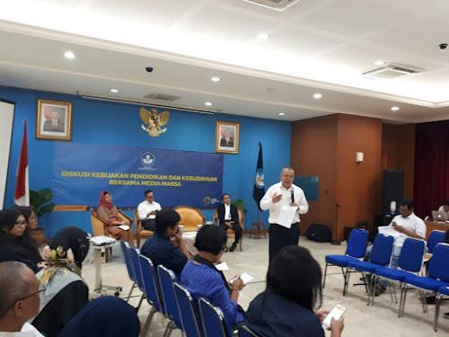 Peringatan Bulan Bahasa 2017 Kemendikbud
