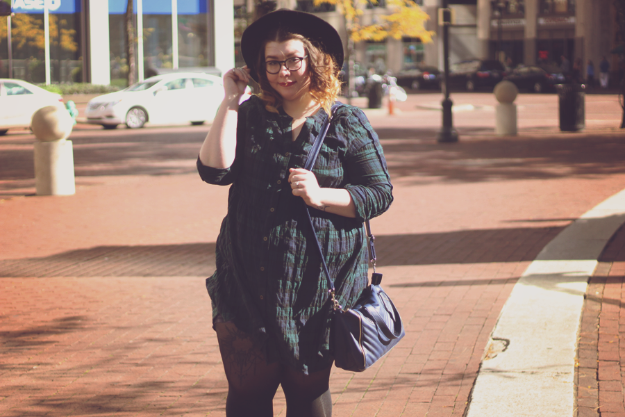 Smock Dress Outfit | katielikeme.com green plaid dress