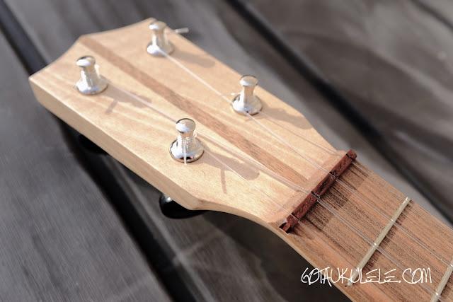 Brüko Walnut Soprano ukulele headstock