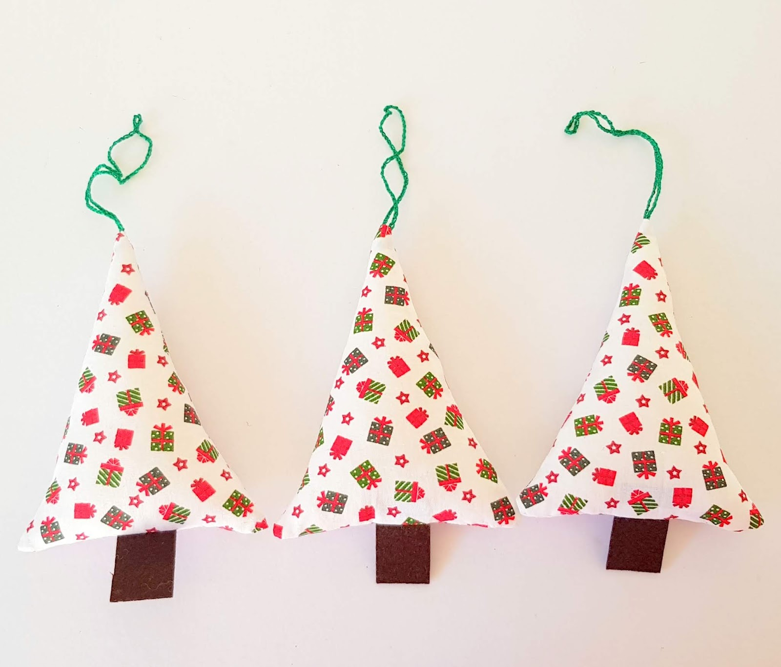 Ema Decorations: Fabric Christmas Tree Ornament - How to make it