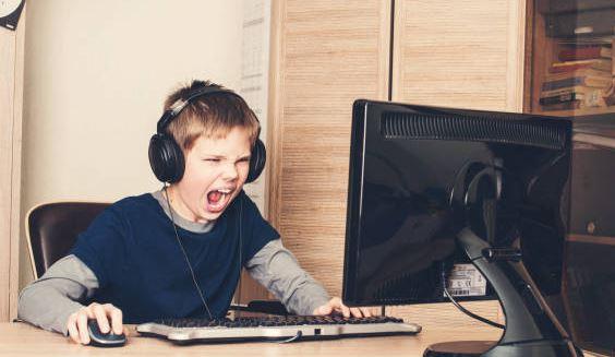 4 Tips Bermain Game Online Yang Benar dan Aman