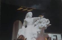Crazy Horse granite sculpture