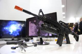 Empresa desenvolve câmera para ficar acoplada em arma de policiais