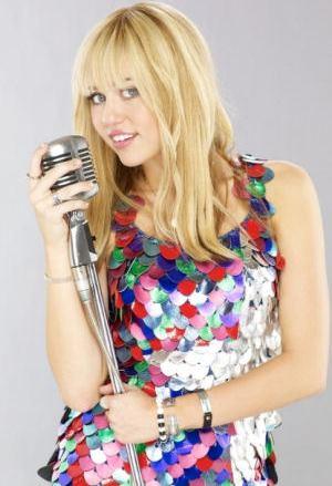 Foto de Miley Cyrus con su micrófono