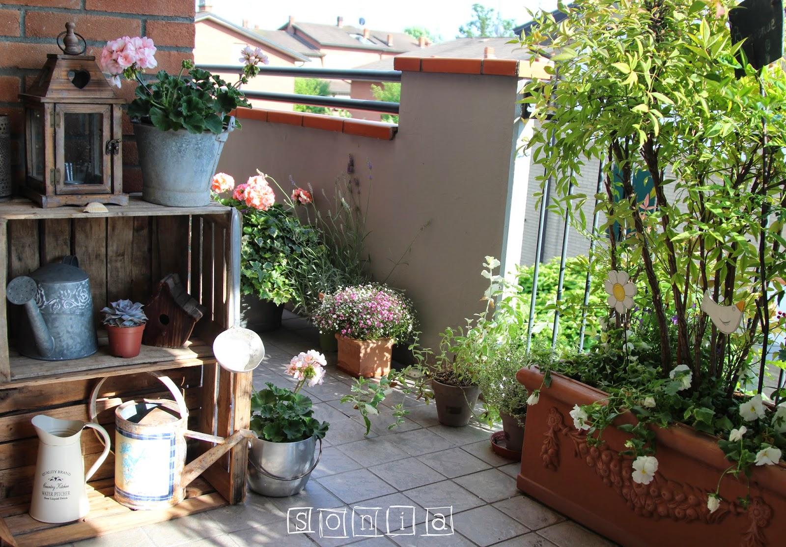 Arredare balconi piccoli latest piccoli spazi with for Arredare terrazzi piccoli
