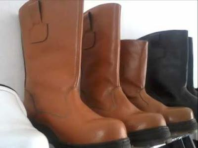 apd-sepatu-safety-proyek