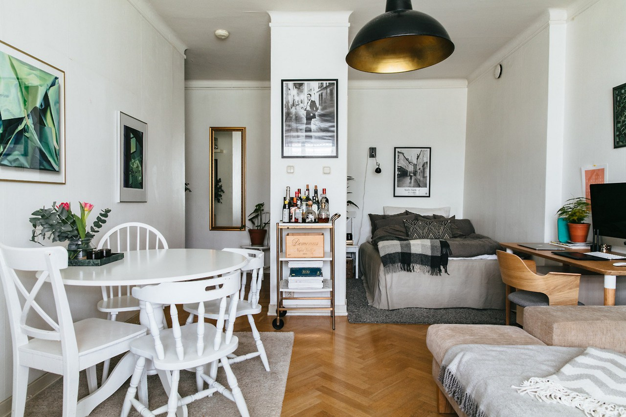 20 Perfect Small Apartment Decorating on a Budget - Decor ... on Apartment Decor Ideas On A Budget  id=24021