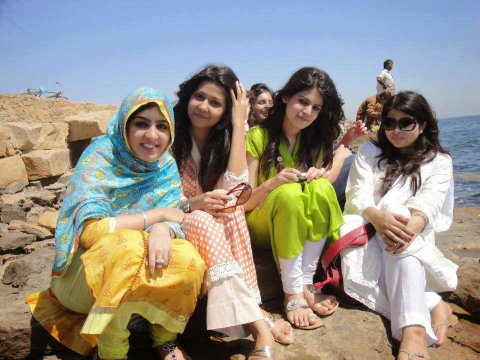 Your Hot sindhi girls pictures