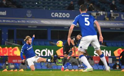 ملخص واهداف مباراة مانشستر سيتي وايفرتون (3-1) الدوري الانجليزي