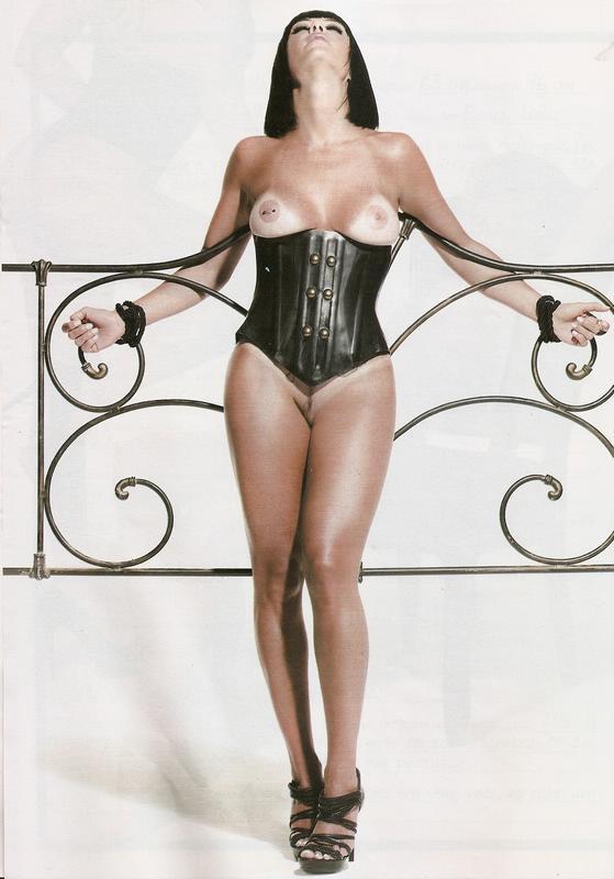 Valentina do Ratinho pelada nua na playboy 18