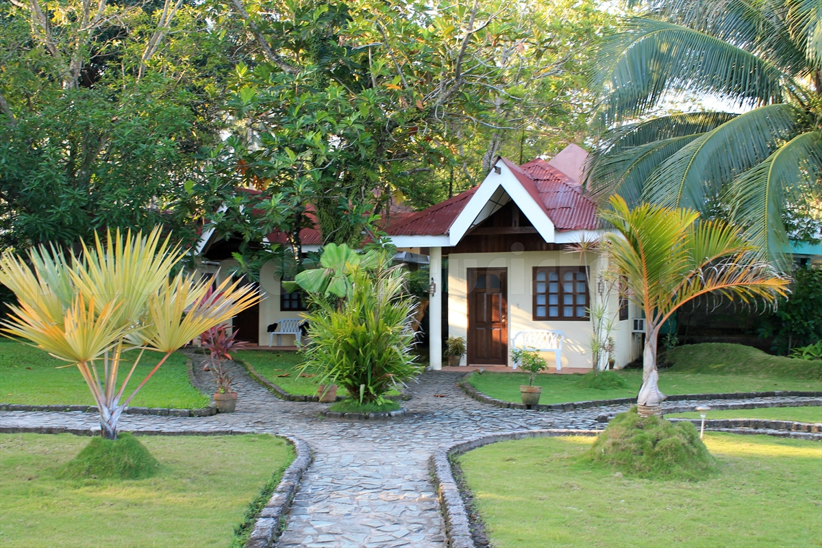 Where to stay in camiguin puesta del sol beach bungalows for Edificio puesta del sol