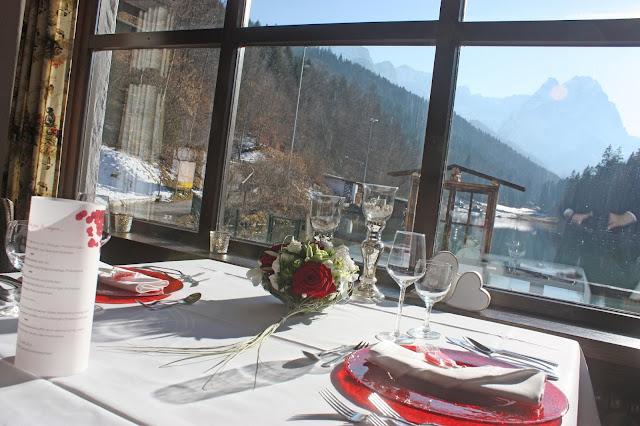 Heiratsantragsdinner - Proposal dinner - Seehaus am Riessersee in Garmisch-Partenkirchen, Bayern Bavaria, Beste Aussichten für die gemeinsame Zukunft