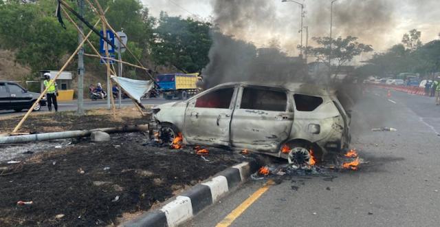Terjadi Kembali, Mobil Terbakar di Jalan Tol Suramadu
